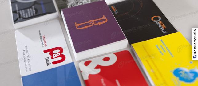 Diseño para impresión de tarjetas personales en Perú. Escoja el modelo de su agrado y solicíte sus tarjetas en RemiseroStudio.com.