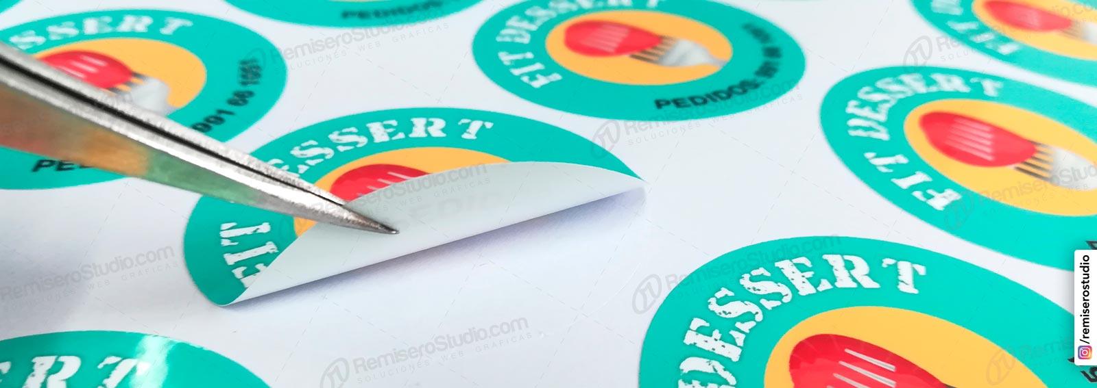 Stickers adhesivos circulos, impresas en papel adhesivo a full color con troquelado