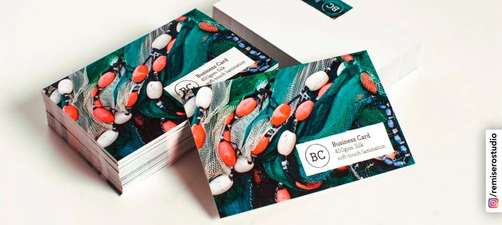 Tarjetas personales impresas en Couche 350 gr. plastificado mate