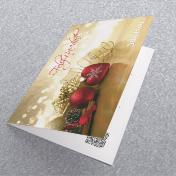 Corazon rojo sobre fondo dorado mas adornos dorados. Tarjetas Navideñas Corporativas para empresas Perú -  Navidad 2021 - 2022