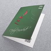 Navidad verde oscuro, con arbol calado y fondo rojo. Tarjetas Navideñas Corporativas para empresas Perú -  Navidad 2021 - 2022