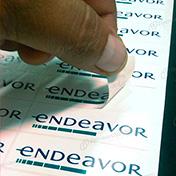 Etiquetas adhesivas impresas en papel couche adhesivo P4