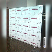 Roll Up Banner immpreso ancho 2.40 x 2.0 metros cliente eventos internacionales