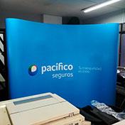 Display Backing Curvo para eventos modelo 3x3 Cliente - Pacifico Seguros