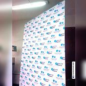 Roll Screen con impresión de banner 1.50 x 2 metros cliente intercoach group