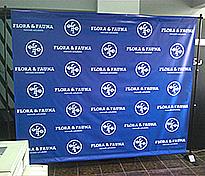 Banner impreso con parante telescopico de 2.40 x 2.0 metros cliente Flora & Fauna