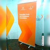 Roll up Banner impreso en papel fotográfico mate, laminado ambas caras, 1 x 2 metros cliente embajada de australia
